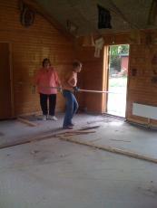 Kløver Ole-Wass hytten - gammelt gulv er fjernet