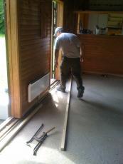 Kløver Ole-Wass hytten - fjernelse af gammel gulv